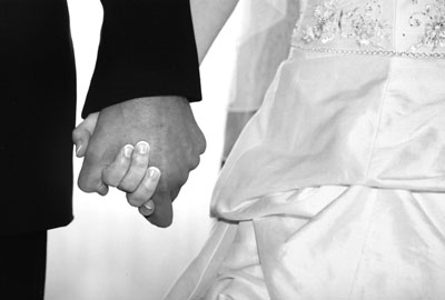 lm-holding-hands.jpg