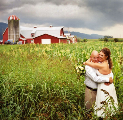 jj-hugging-in-corn-field.jpg