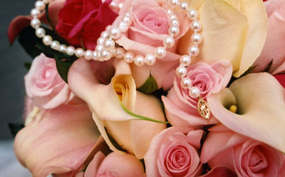 lb-flowers-pearls.jpg