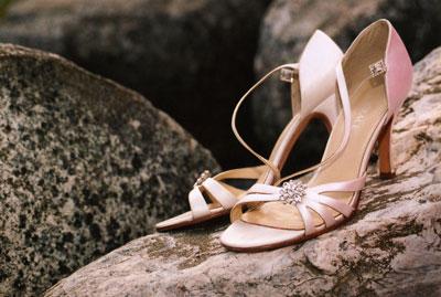 lb-leonis-shoes.jpg
