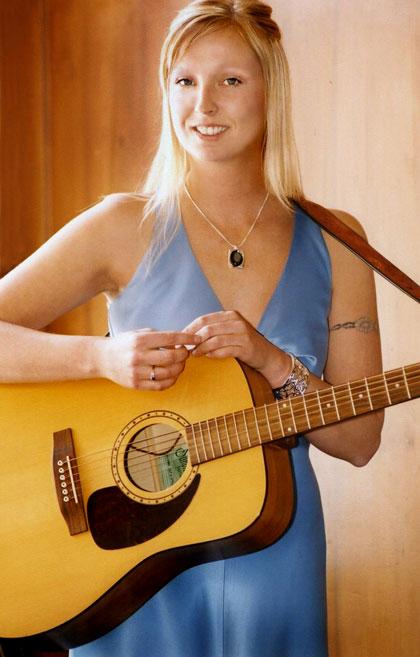 bridesmaid-musicain