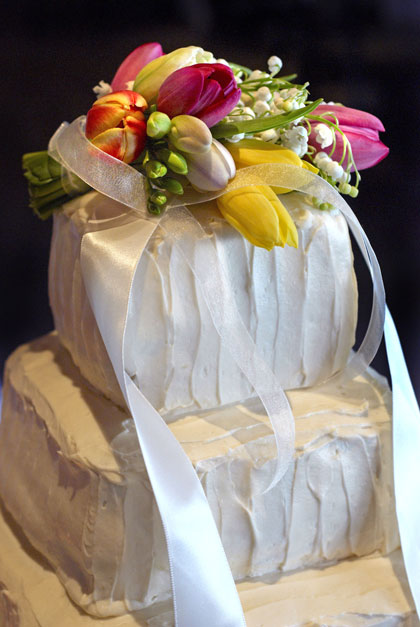 Cake-&-Flowers